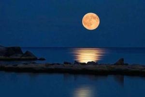 Randello con la Luna Piena - Punta Braccetto (RG)